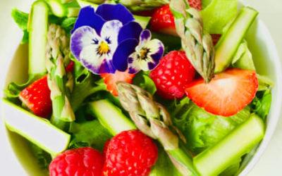 Hvasser Asparges & Salat med bær
